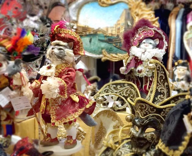 Bambole e Maschere di Carnevale 貴族にコスプレした猫たちの人形